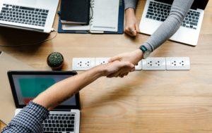Stratégie et coopération pour renforcer la cybersécurité informatique