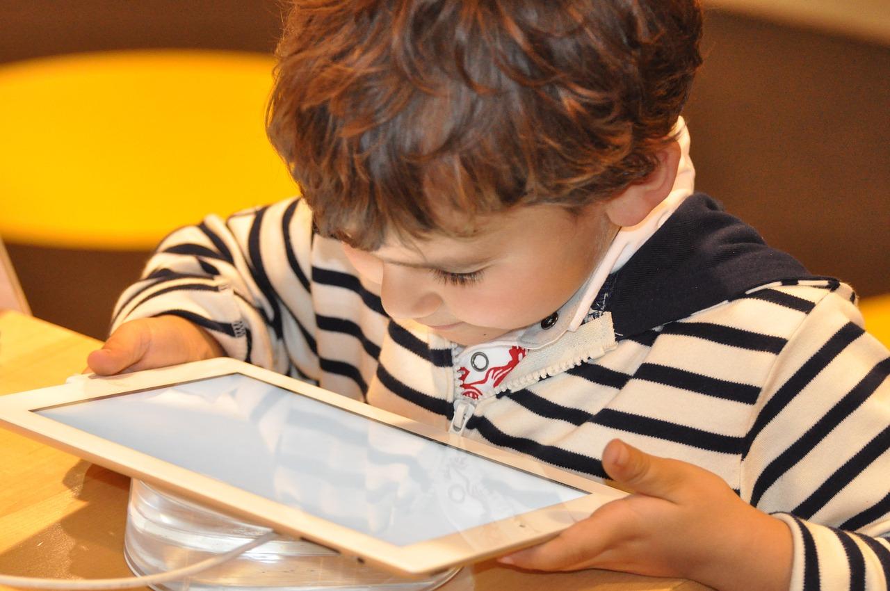 Safer Internet Day : quelques conseils pour garantir la sécurité de votre enfant en ligne